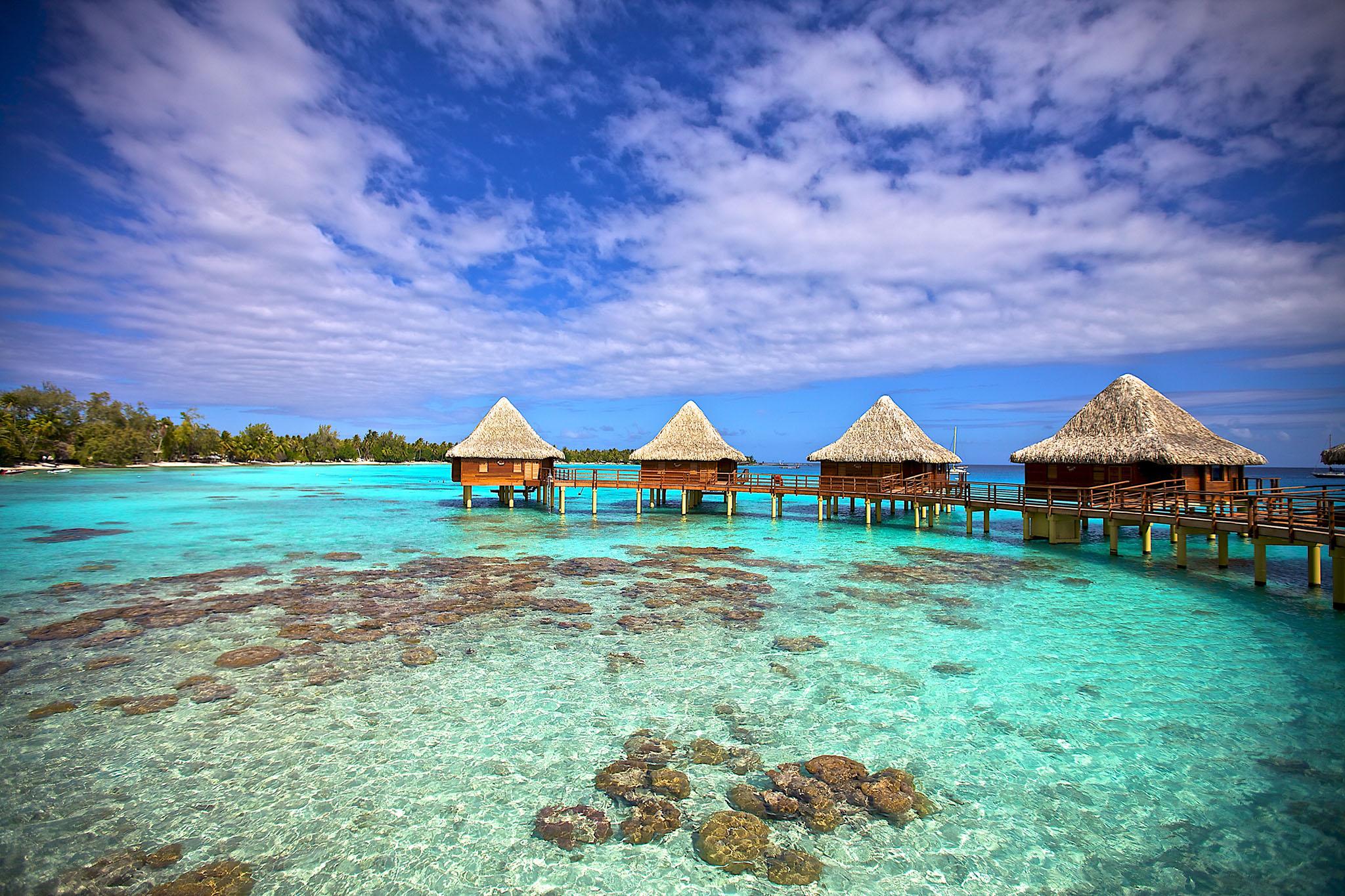 https://tahititourisme.ca/wp-content/uploads/2017/08/RGI-Kia-Ora-Overwater-Bungalows-Exterior-20.gallery_image.1.jpg