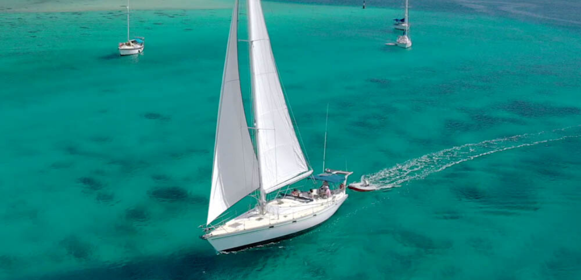 https://tahititourisme.ca/wp-content/uploads/2017/08/SailingHuahineVoile_11401x550.png