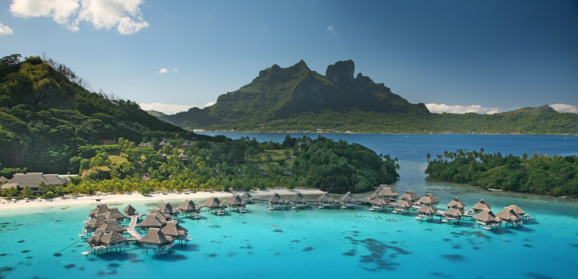 https://tahititourisme.ca/wp-content/uploads/2017/08/Tahiti-Travel-Specialist.png