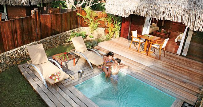 https://tahititourisme.ca/wp-content/uploads/2018/03/Moorea-Bora-Bora-Tahiti-2.jpg