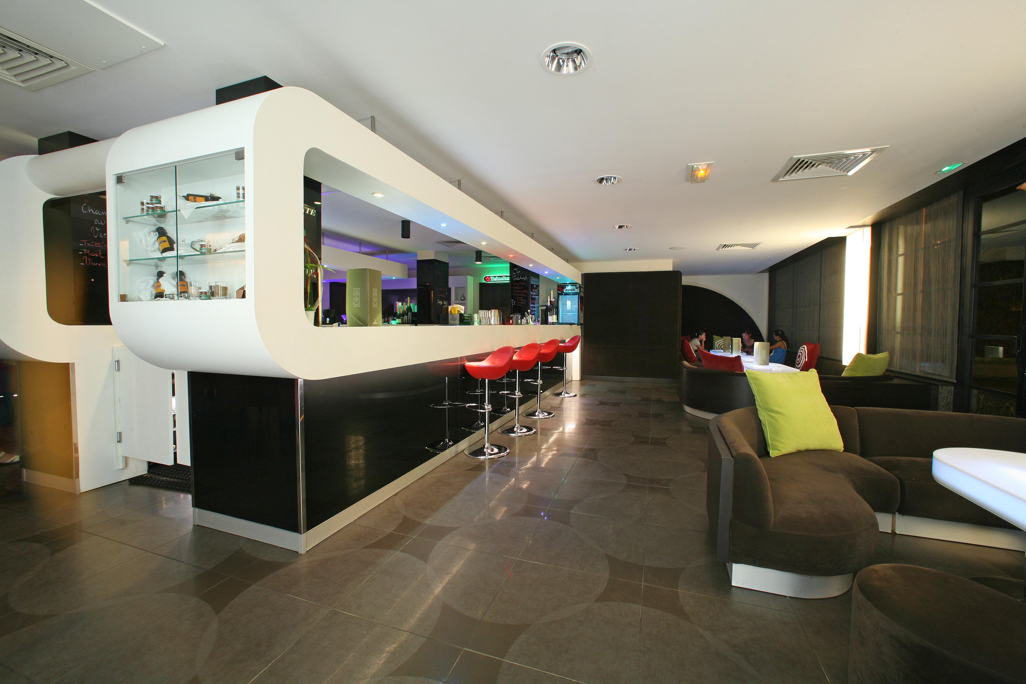 https://tahititourisme.ca/wp-content/uploads/2018/03/RESTAURATION-Punavai-Lounge-Bar-1.jpg
