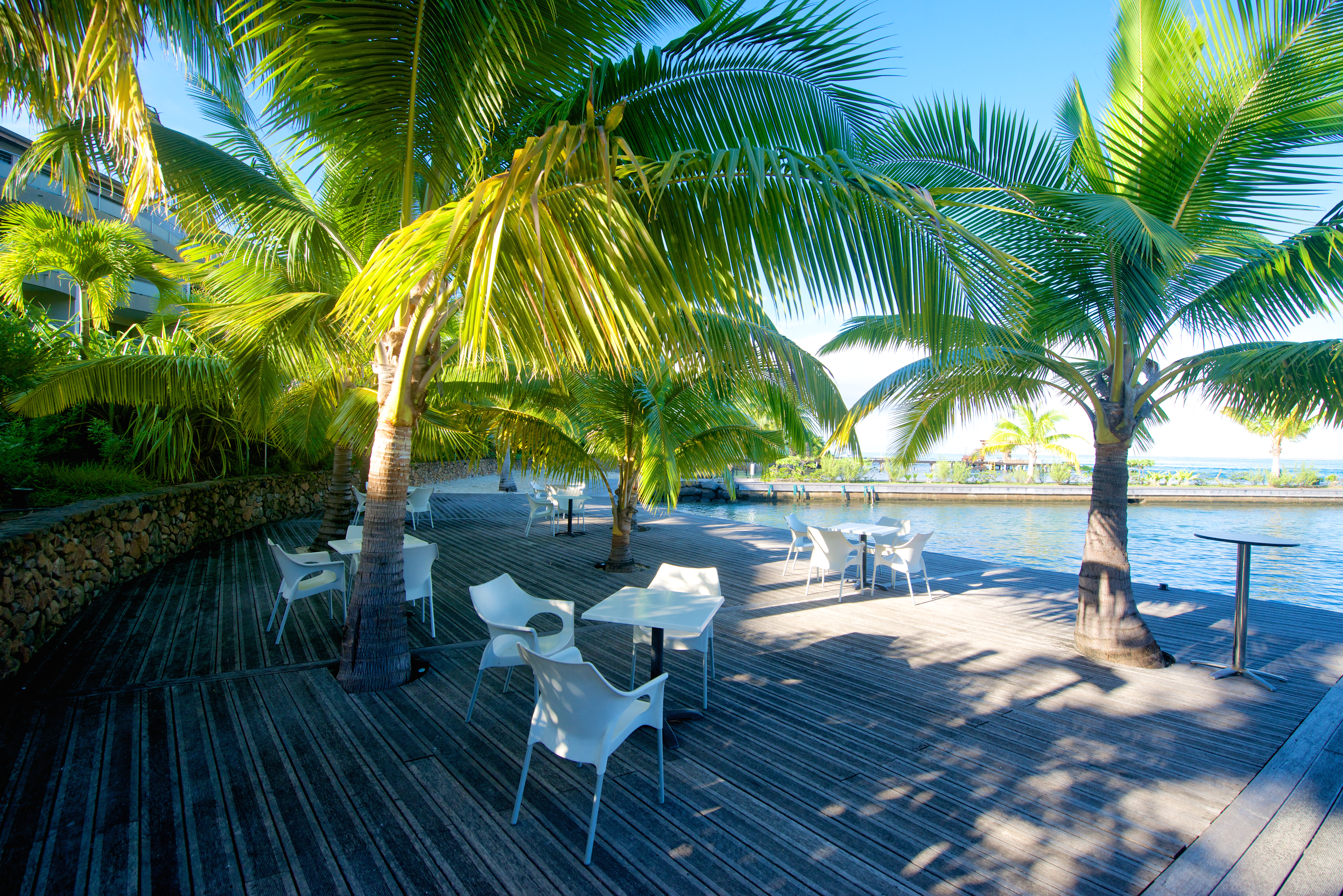 https://tahititourisme.ca/wp-content/uploads/2018/03/RESTAURATION-Taapuna-Pool-Bar-2.jpg