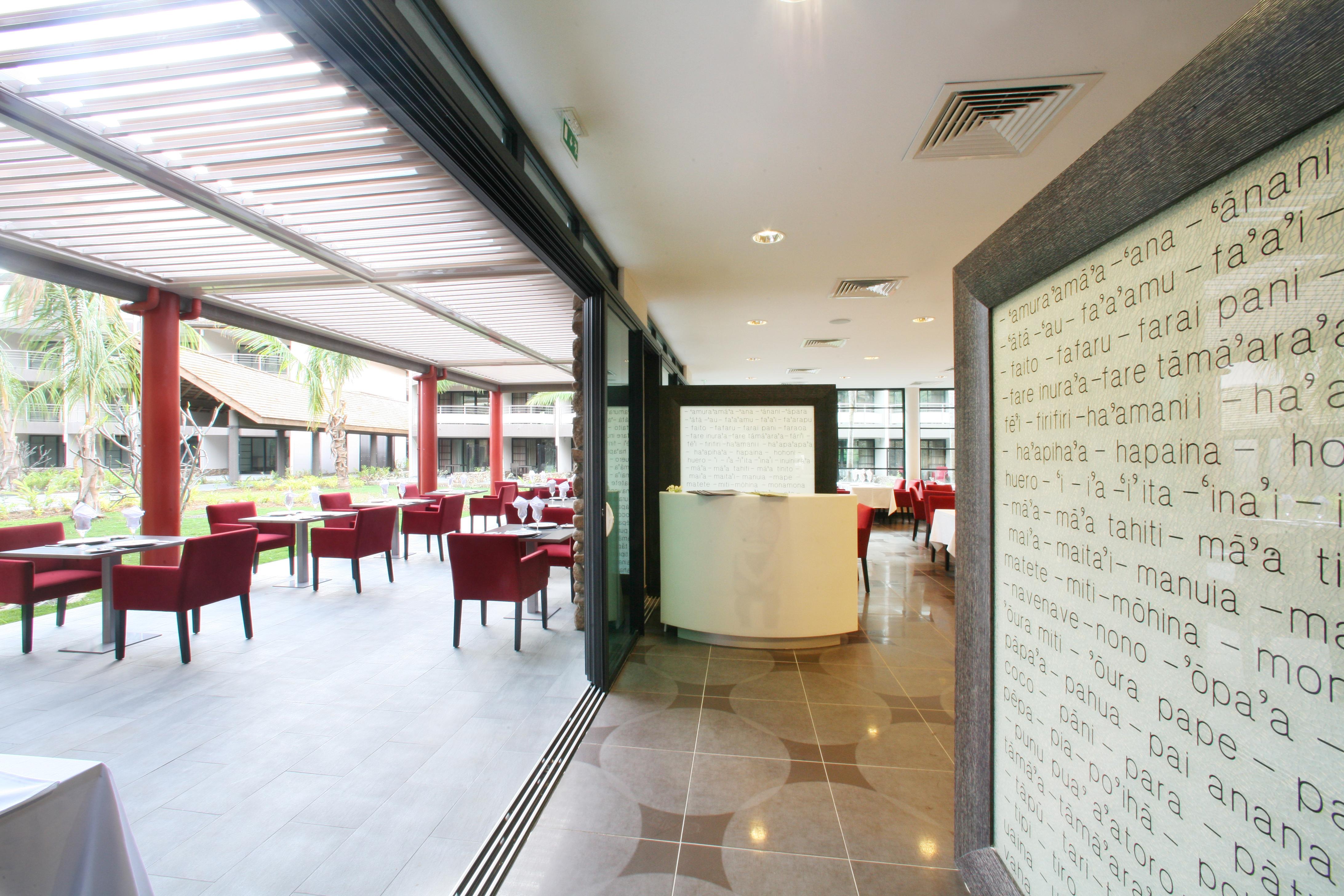 https://tahititourisme.ca/wp-content/uploads/2018/03/RESTAURATION-Vaitohi-Restaurant-3.jpg