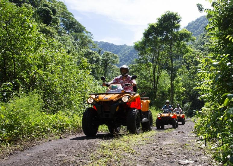 https://tahititourisme.ca/wp-content/uploads/2018/05/ACTIVITES-TERRESTRE-Vaihiria-Quad-Tahiti-2.jpg