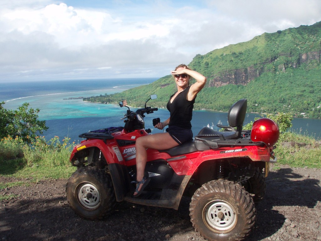 https://tahititourisme.ca/wp-content/uploads/2019/02/Excursion_Quad_Guided_Tour_Moorea_10.gallery_image.1.jpg