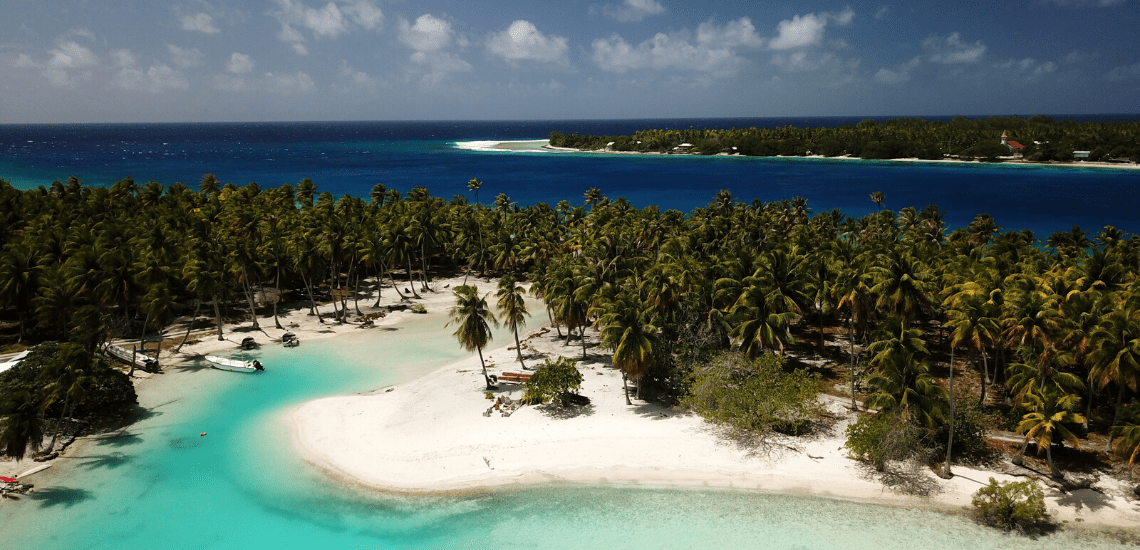 https://tahititourisme.ca/wp-content/uploads/2019/08/RangiroaExcursion3_1140x550-min.png