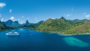 French Polynesia_blue water