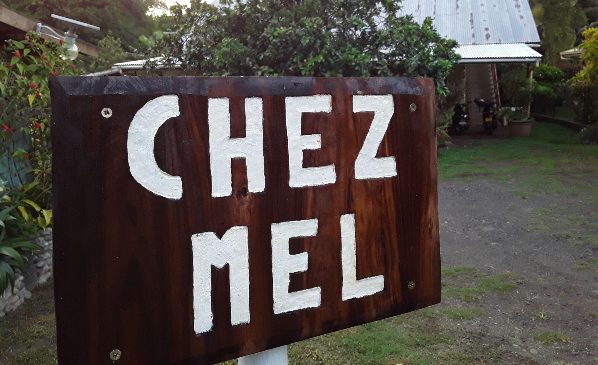 https://tahititourisme.ca/wp-content/uploads/2020/07/Panneau-Chez-Mel.jpg