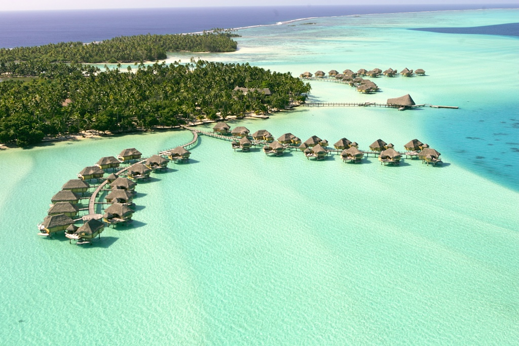 https://tahititourisme.ca/wp-content/uploads/2020/12/LE-TAHAA-Aerial-View-9.gallery_image.1.jpg