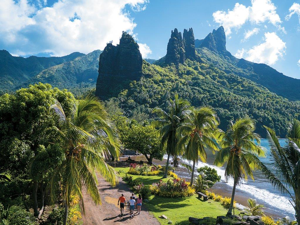 https://tahititourisme.ca/wp-content/uploads/2021/02/CG.D_NukuHiva_Marquesas_P1260255-hi.jpg