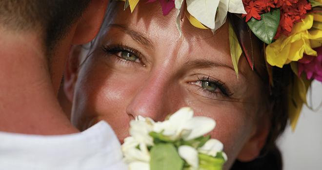 https://tahititourisme.ca/wp-content/uploads/2021/03/Ceremonies-romantiques-Manava-Resort-Spa.jpg