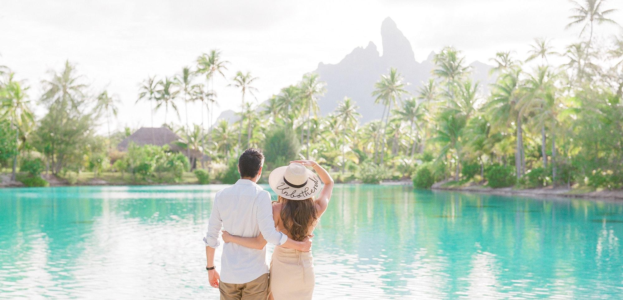 https://tahititourisme.ca/wp-content/uploads/2021/04/PCP-Bora-Bora-Photographer-St-Regis-Honeymoon.jpg