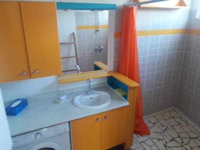 https://tahititourisme.ca/wp-content/uploads/2021/09/bathroom.jpg